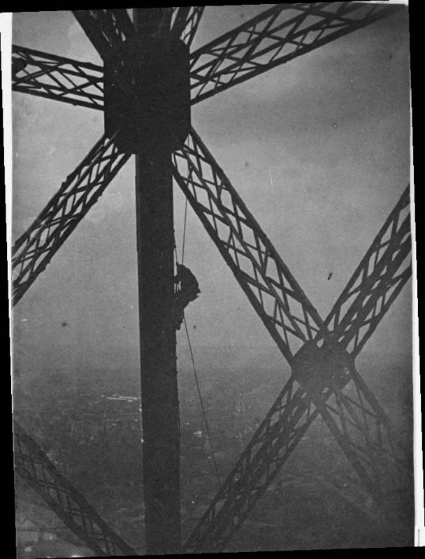 에펠탑의 페인트공.jpg