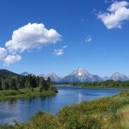 하늘과 강의 어울림